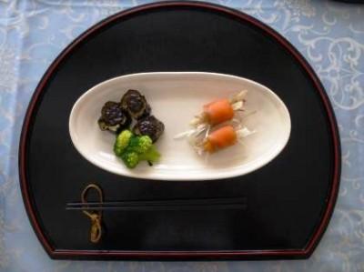 なすの味噌焼き菜の花添え(左)