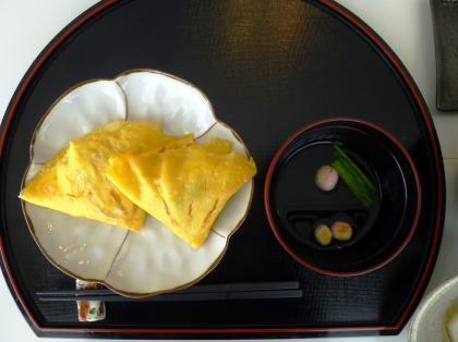 手まり麩の汁とはまぐり寿司