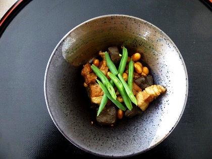 三枚肉と小豆とこんにゃくの煮物