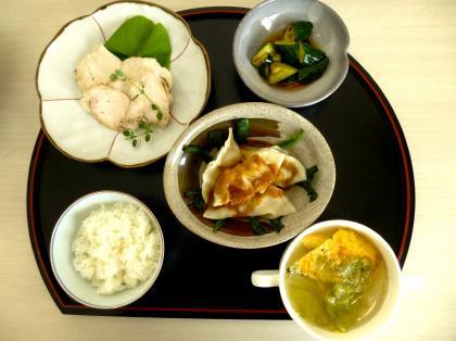 玉子のスープ きゅうりのとうばんじゃんあえ とりの酒煮 四川風水餃子 私のバームクーヘン