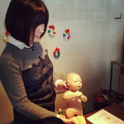 新生児の人形と骨盤の模型を使い赤ちゃんが産道を通ってくるしくみなどお話ししました。