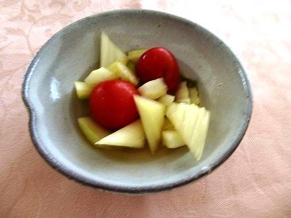 セロリとトマトの和風ピクルス